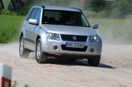 Suzuki Grand Vitara występuje w dwóch rodzajach nadwozia, a w gamie silnikowej znalazły się cztery napędowe. Fot. Moto.wieszjak.pl