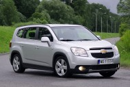 Chevrolet Orlando bok