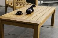 Drewniany stół. Fot. Altax